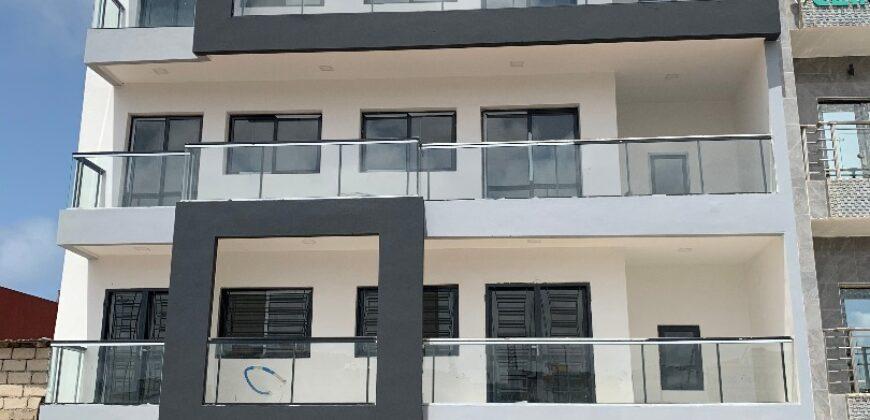 Immeuble R+4 A VENDRE MEZMOZ VDN (DAKAR)